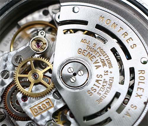 Так выглядит механизм механических часов